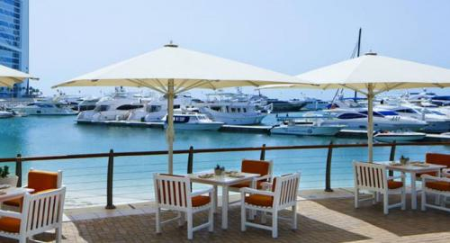 Jumeirah Beach Hôtel : Restauration