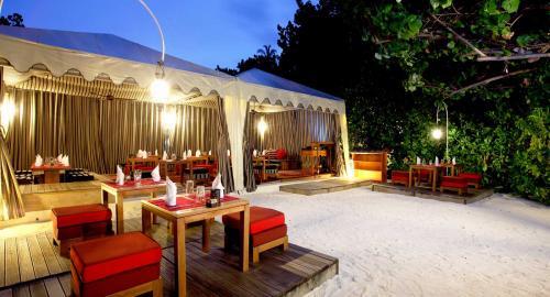 Centara Ras Fushi Resort & Spa : Restauration