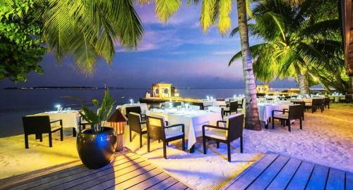 Lily Beach Resort & Spa : Restauration