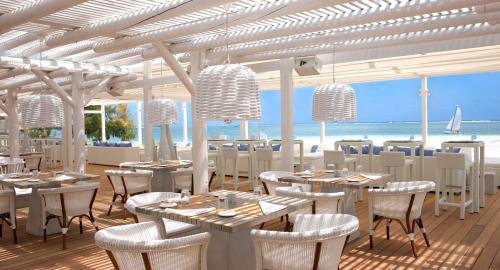 LUX* Belle Mare Resort & Villas : Restauration