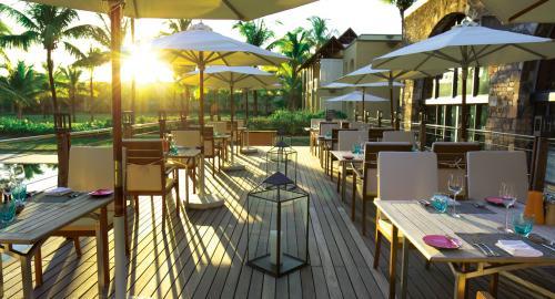 Outrigger Mauritius Beach Resort : Restauration