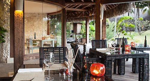The St Regis Bora Bora Resort : Restauration