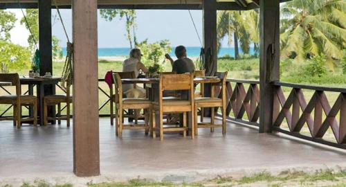Bird Island Lodge : Restauration