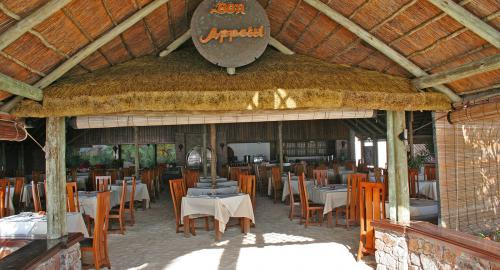 La Digue Island Lodge : Restauration