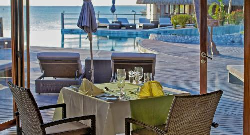 Hôtel Kia Ora Resort & Spa : Restauration