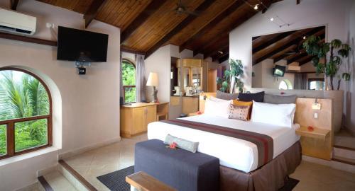 Coco de Mer & Black Parrot Suites : Hébergement