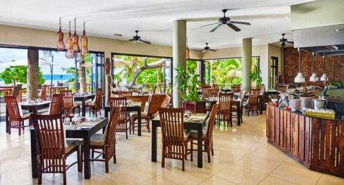 DoubleTree Resort & Spa by Hilton Seychelles Allamanda : Restauration