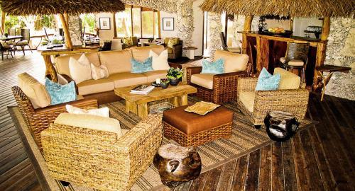Ninamu Resort : Restauration