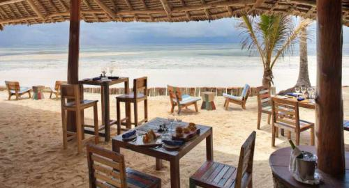 Bluebay Beach Resort & Spa : Restauration
