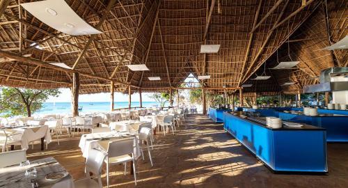 Sandies Baobab Beach : Restauration